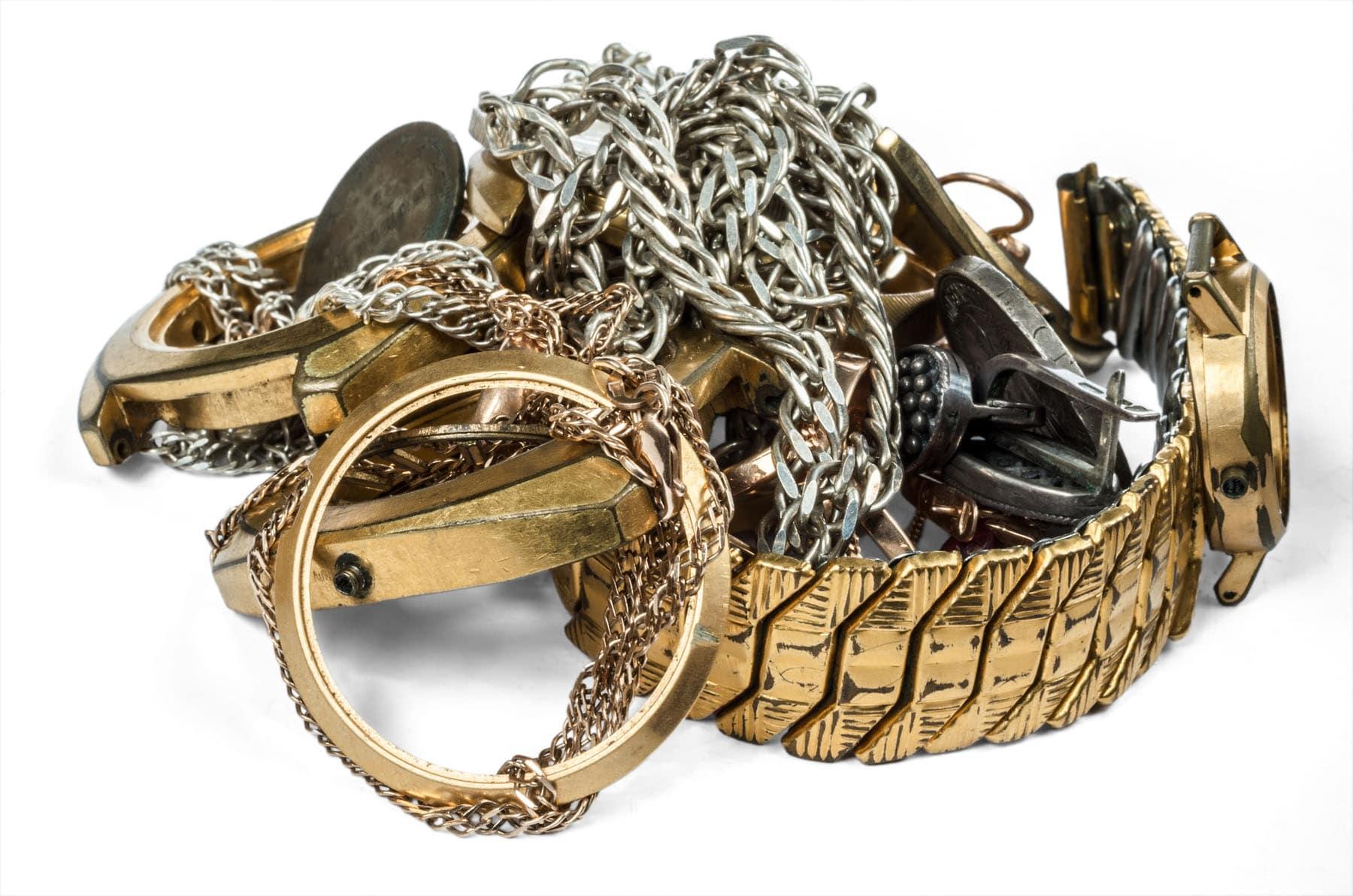 Smykker gammelt guld som kan omsmeltes til nyt